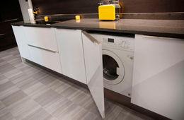 Установка стиральной машины на кухне Кубинка